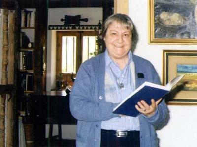Centenario Gloria Fuertes | 1917-1998 | #gloriafuertes100 | El balcón de Gloria Fuertes | 15/07/2017 | Poema 'Aviso'