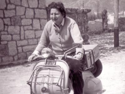 Centenario Gloria Fuertes | 1917-1998 | #gloriafuertes100 | El balcón de Gloria Fuertes | 22/10/2017 | El paro no hay quien lo pare