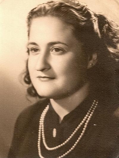 Gloria Fuertes | Madrid, 1917-1998 | Centenario Gloria Fuertes | Gloria Fuertes joven | Años 40