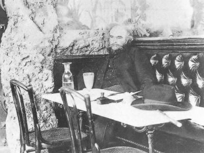 Paul Verlaine en un café