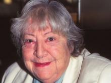 Centenario Gloria Fuertes | 1917-1998 | #gloriafuertes100 | El balcón de Gloria Fuertes | 03/08/2017 | Se puede ser honrado