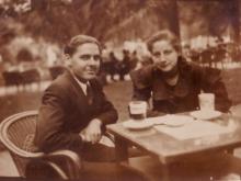 Centenario Gloria Fuertes | 1917-1998 | #gloriafuertes100 | El balcón de Gloria Fuertes | 17/11/2017 | Solos van los hombres en la noche
